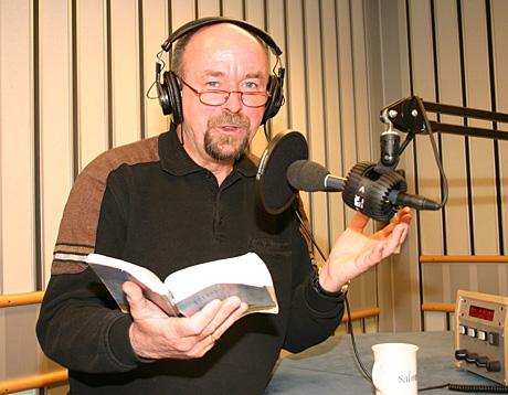 - Jeg trodde nesten ikke interessen for salmer var så stor, sier Helge Gudmundsen i Salmer til alle tider i NRK P1. (Foto Jon-Annar Fordal)