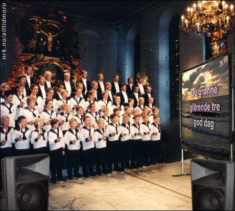Julen 2004: Sølvguttene kastet seg på karaokebølgen. (Alltid Moro)