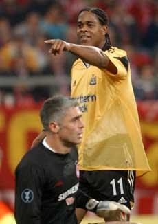 Patrick Kluivert ble aldri noen stor hit i engelsk fotball. (Foto: Scanpix)