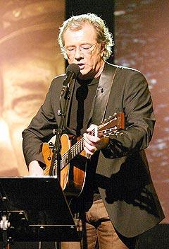 Åge Aleksandersen er en av artistene som stiller. Foto: NRK