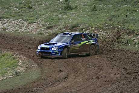 Petter Solberg kjemper med Marcus Grönholm om andreplassen i Rally Tyrkia. (Foto: www.swrt.com)