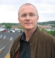 Lars Egeland tror SV-velgerne ønsker å ta avstand fra bommotstandere med feite biler. Foto: NRK.