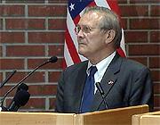 Donald Rumsfeld: Jeg er glad jeg fikk muligheten til å komme hit. Foto: NRK