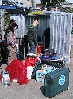 Backline og alt utstyr ble fraktet med container på Kiel-ferga. Foto: Schtimm.