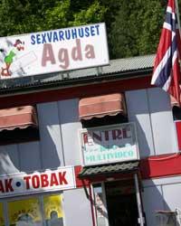 Jack Vogel hadde en egen evne til å markedføre sexvarehuset Agda, som dukket opp på Svinesund på midten av 60-tallet. Foto: Rainer Prang, NRK
