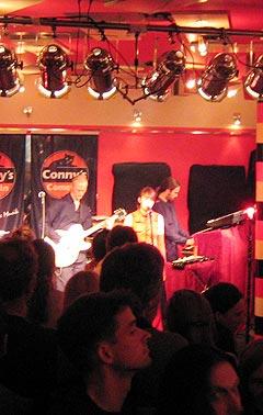 Det ble kjærlighet mellom scene og sal under konserten i Viersen. Foto: Schtimm.