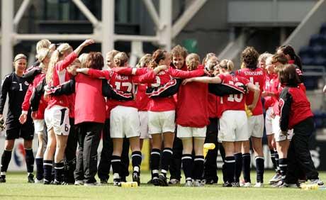 De norske spillerne jublet etter seieren over Italia, men dopingtestet ble de ikke. (Foto: AP/Scanpix)