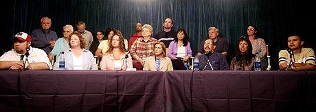 Juryen i Michael Jackson-saken stod samlet om frifinnelsen. Nå har to av dem ombestemt seg. Foto: Aaron Lambert, Reuters / Scanpix.