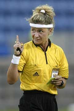 Nicole Petignat får kritikk får å være for raus med kortene. (Foto: Håkon Mosvold Larsen / SCANPIX)