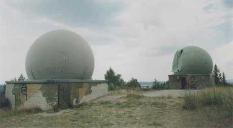 Nike-radaren i Trøgstad (Foto: Tom M. Braastad, Østfold fylkes billedarkiv)