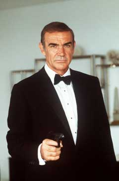 Sean Connery har andre overtalelsesmidler enn andre agenter. (Foto: Scanpix)