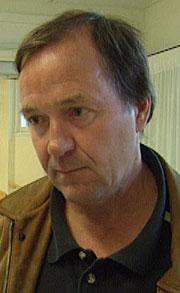 Klinikksjef ved Sykehuset Telemark Per Urdahl, har startet et prosjekt som skal forske på legionella-bakterien. ( Foto: NRK )