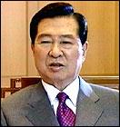 Kim Dae Jung vil ikke innføre økonomiske sanksjoner mot Nord-Korea. (Arkivfoto)
