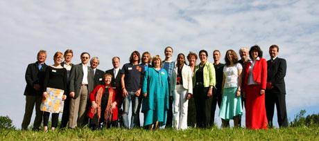 P1-regjeringa samlet da de utarbeidet sitt manifest på Sem gjestegård. Nå vil den påtroppende rød-grønne regjeringa ha råd av P1-regjeringa. (Foto: Ole Petter Klepp, NRK)