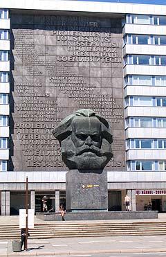 Turistattraksjon eller ei, Marx' hode var svært. Foto: Schtimm.