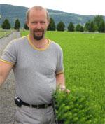 Arne Smedstuen håper på god høst, foto: NRK