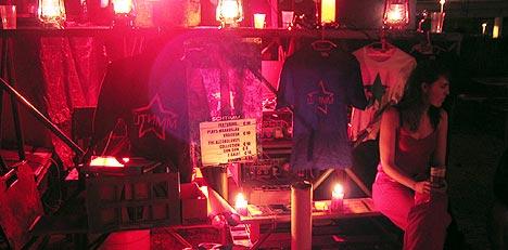 Merchandiseboden utenfor Wagenmeister. Foto: Schtimm.