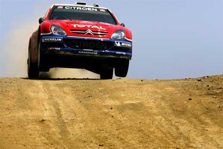 Sèbastien Loeb leder Rally Akropolis. Vinner han blir det hans femte seier på rad i VM. REUTERS/Yannis Behrakis /Scanpix