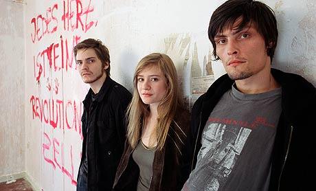Daniel Bruhl, Julia Jentsch og Stipe Erceg spiller hovedrollene i det «The Edukators», Foto/Copyright: ASFIDALGO