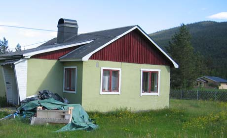 I dette huset bodde Oslo-kvinnen før hun flyktet fra ekteparet i Nore og Uvdal. Foto: Gunnar Grimstveit, NRK
