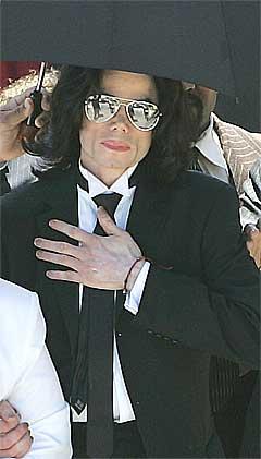 Michael Jackson hviler ut etter at han ble frifunnet. Foto: Scanpix.