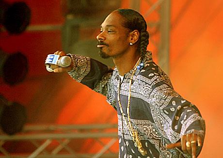 Sjokkrapperen Snoop Dogg tar igjen turen til Norge. Her på Roskilde tidligere i sommer. Foto: Arne Kristian Gansmo, NRK.
