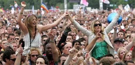 Rundt 150.000 tilskuere har samlet seg i Hyde Park i London. (Foto: Reuters/Scanpix)
