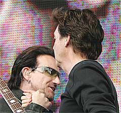Bono og Sir Paul åpnet Live 8 sammen i Hyde Park, London. Foto: Scanpix.