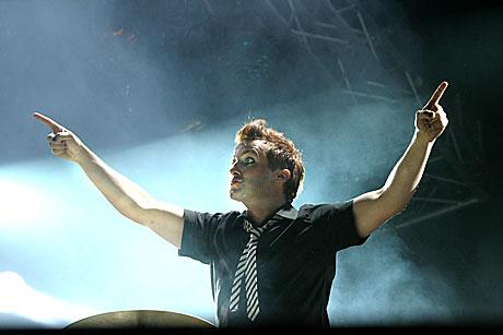 Trommis Tre Cool (Frank Edwin Wright, III var også med på å lage Green Day-konserten til en fest. Foto: Arne Kristian Gansmo, NRK.