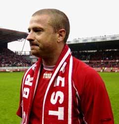 Raymond Kvisvik tok farvel med hjemmepublikum på Brann stadion. (Foto: Chris Kyllingmark / SCANPIX)