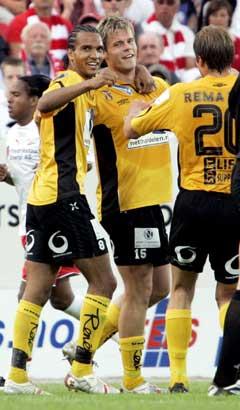 Alex Valencia, Marius Johnsen og Bård Borgersen hadde alle god grunn til å juble etter seieren mot Vålerenga (Foto: SCANPIX)