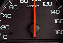 Noe av det viktigste du gjør for å spare drivstoff er å holde jevn fart. (Foto: Scanpix)