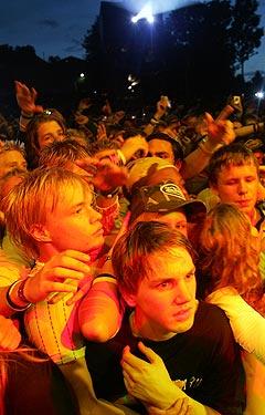 Publikum måtte vente i en time før gangsterrapperen Snoop Dogg kom på scenen under Quartfestivalen i Kristiansand sent onsdag kveld. Foto: Alf Ove Hansen, Scanpix.