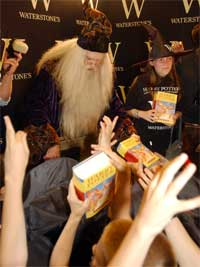 «Harry Potter»-lanseringer er ikke helt som andre boklanseringer... (Foto: Scanpix)