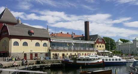 Oslofolk og andre nordmenn invaderer Strömstad. 77 boligenheter er solgt på to uker, de fleste med norske kjøpere. Foto: Rainer Prang, NRK