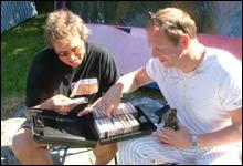 Bevismateriale: 22 år på Roligheten i musikk! Kassetter fra tilbake til 1985 og ghettoblaster er fremdeles i bruk! (Foto: Merete Glorvigen)