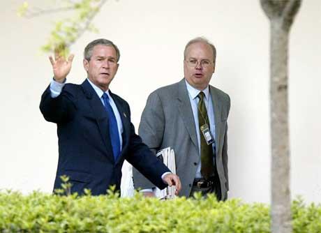 Må George W. Bush kvitte seg med den norskætta rådgjevaren Karl Rove? (Foto: AFP/Scanpix)