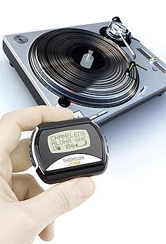 MP3-spillere og vinyl-platespillere tilhører egentlig to forskjellige generasjoner. Men mens salget av mp3-spillerne skyter i været, holder vinylen stand. Foto: Thompson.