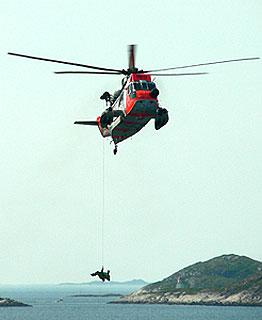 Redningshelikopter fra 330-skvadronen. Foto: Ivar Jensen, NRK.