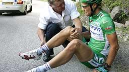 Tom Boonen etter onsdagens fall på den 12.etappen av Tour de France. (Foto: Scanpix)