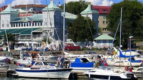 Grensebussen var et populært tilbud i sommer. 8.500 passasjerer tok bussen til og fra Strömstad bare i juli. (Foto: Håkon Mosvold Larsen / SCANPIX )