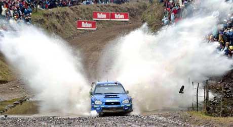 Petter Solberg og kartleser Phil Mills har mye å ta igjen på søndagens kjøring. (Foto: Santiago Flaim/AP/SCANPIX)