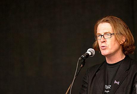 Festivalsjef Jan Ole Otnæs under åpningen av Moldejazz 2005. Foto: Arne Kristian Gansmo, NRK.