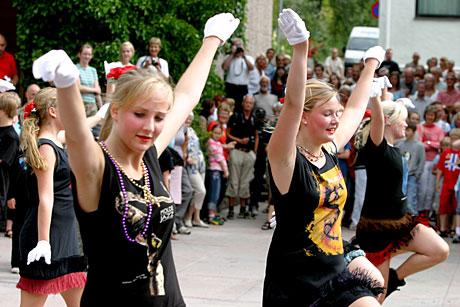 Fra paraden under åpningen av Moldejazz 2005. Foto: Stian Fjelldal, NRK.