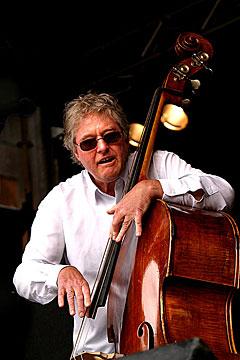 Arild Andersen på åpningen av Moldejazz 2005. Foto: Arne Kristian Gansmo, NRK.