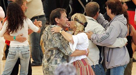 Den siste uka har om lag 50.000 nordmenn besøkt festivaler for dansemusikk. Mange av dem var på Dansefestivalen i Sel.