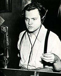Orson Welles i radiostudioet.