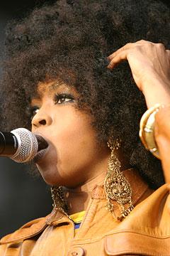 Lauryn Hill var det eneste store plakatnavnet under Moldejazz 2005. Foto: Arne Kristian Gansmo, NRK.