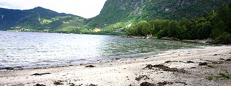 Erdalen badestrand - foto Cosmin Cosma NRK