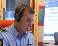 - Mange plager politiet med tulletelefoner, sier operasjonsleder Egil Solberg ved Hedmark politidistrikt. (foto: Frode Meskau)